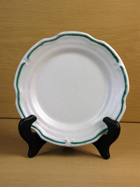 white/green small plate 8