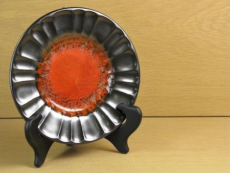 black/orange small plate 2356