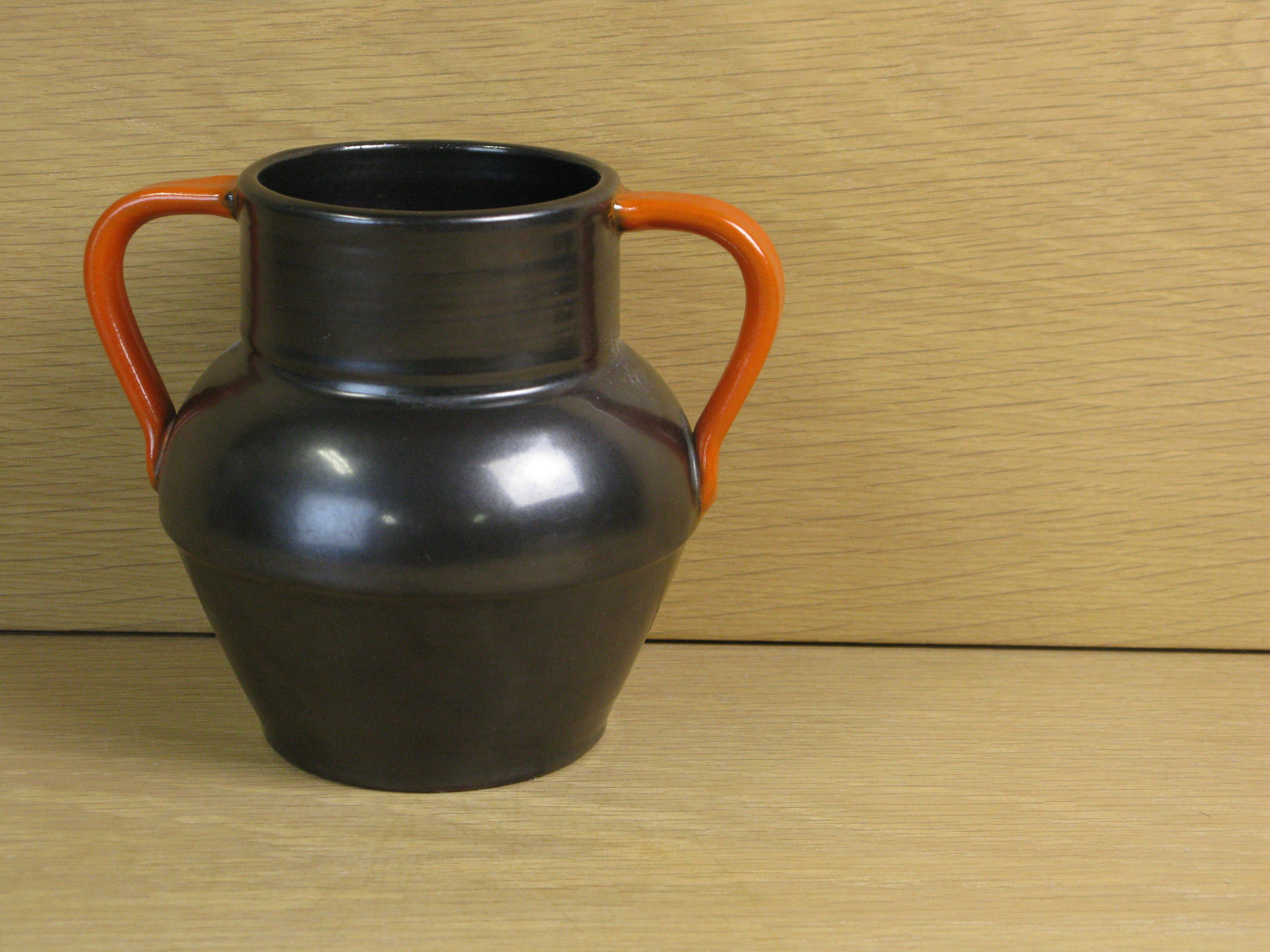 black/orange vase 1561