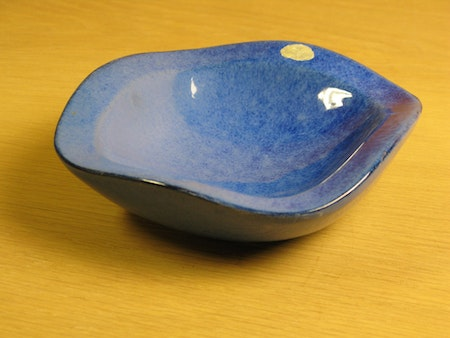 blue ashtray 58