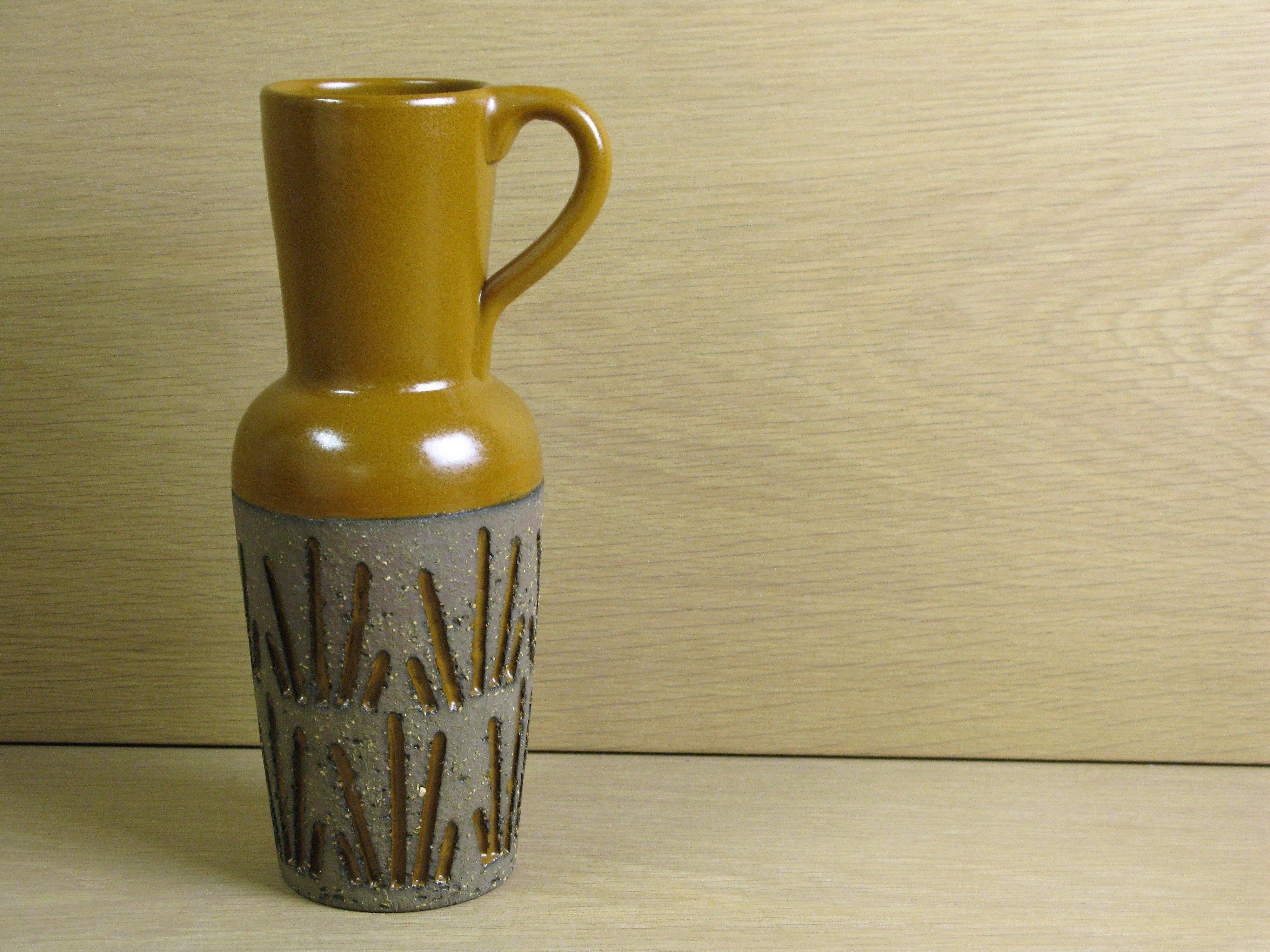 Orange tokyo vase 4074m