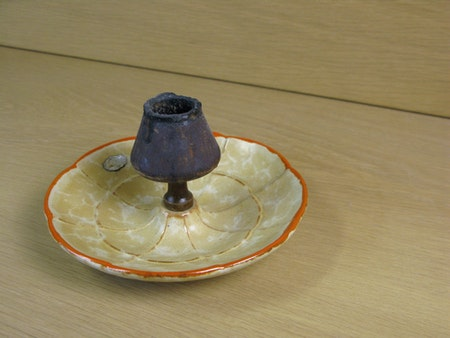 yellowish/orange ashtray 35