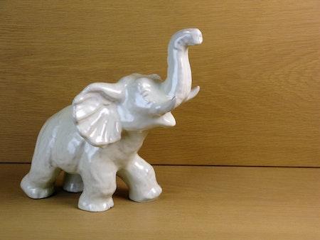 White elephant 101 sold
