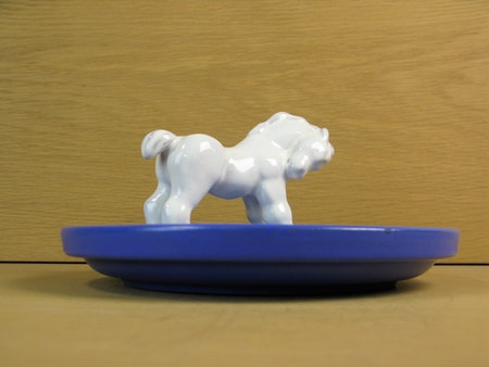 white horse in blue bowl 46