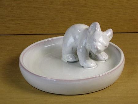 white bear in white bowl 36