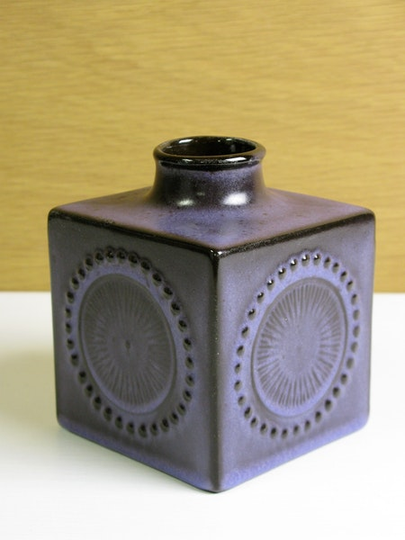 purple square vase 43130/906