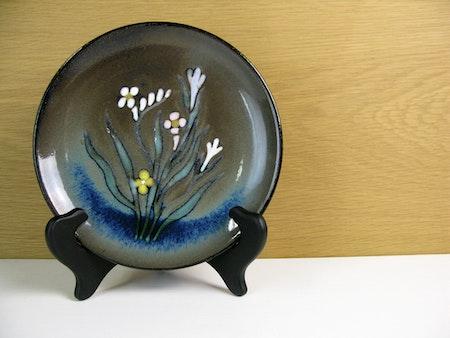 Unique dark flower small plate