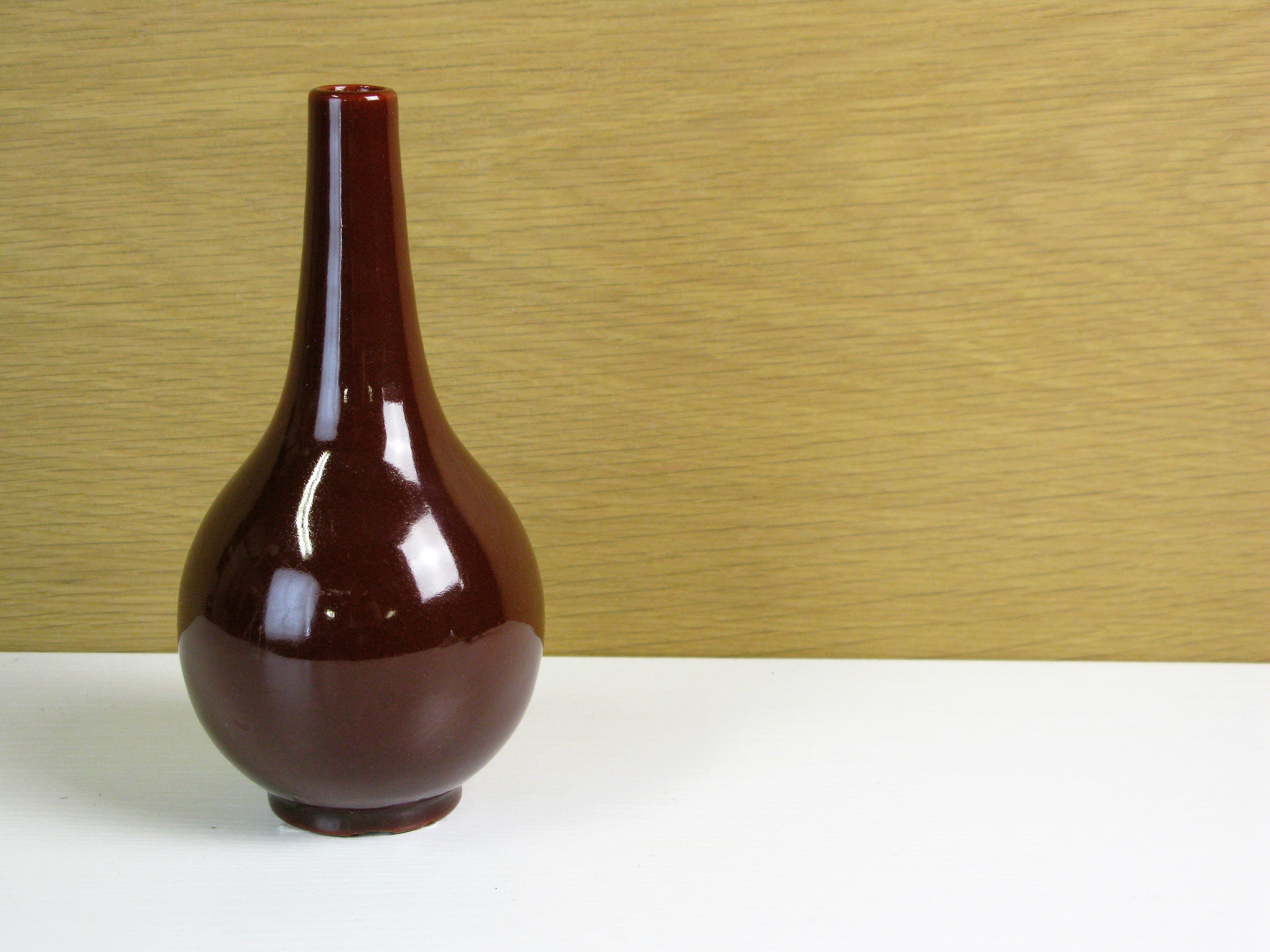burgundy vase 394