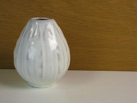 lancett vase 588 white