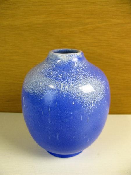 blueish vase 379