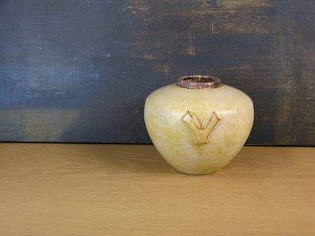 yellowish/brown vase 2760