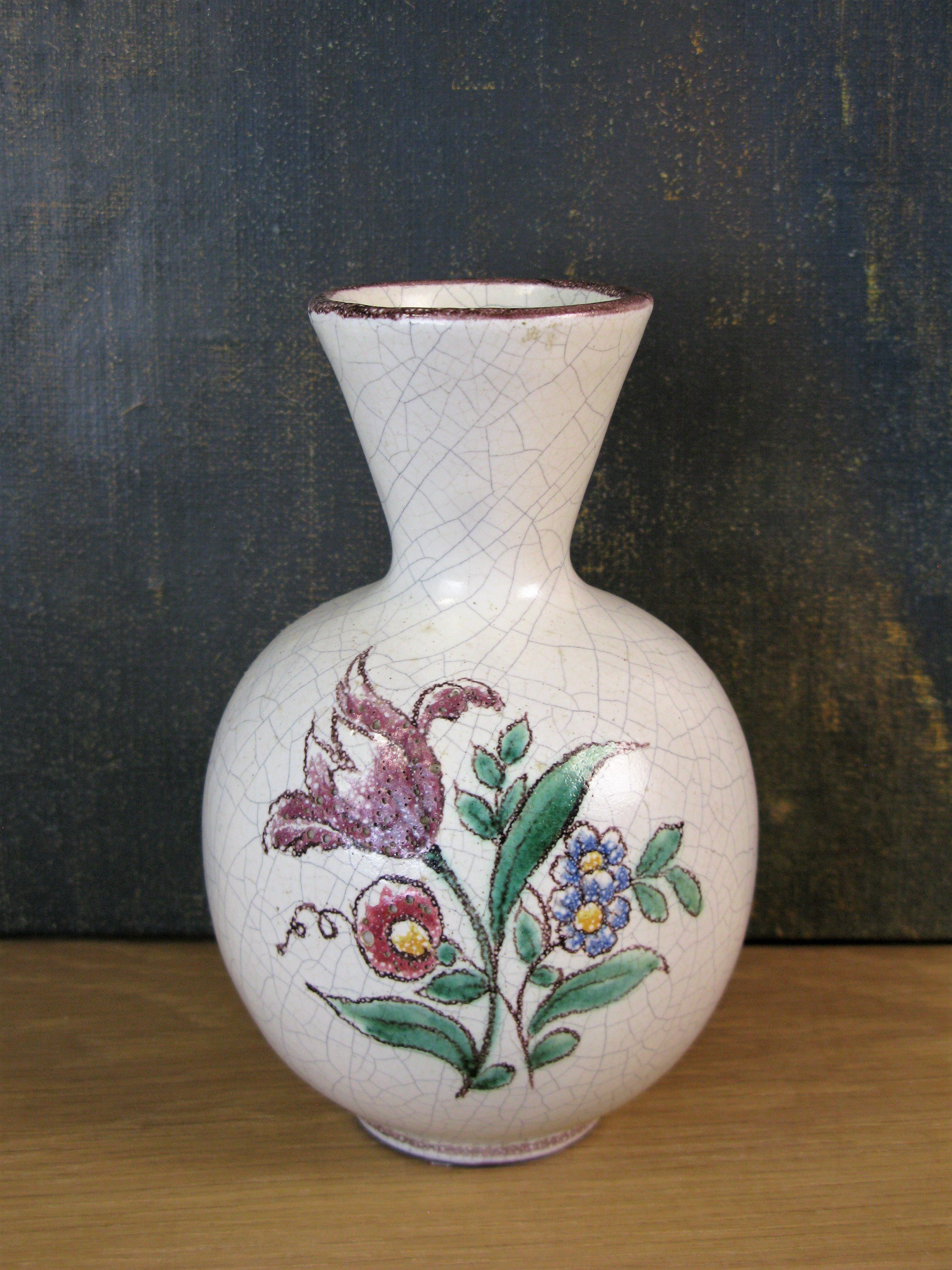 flower craquelure vase 246