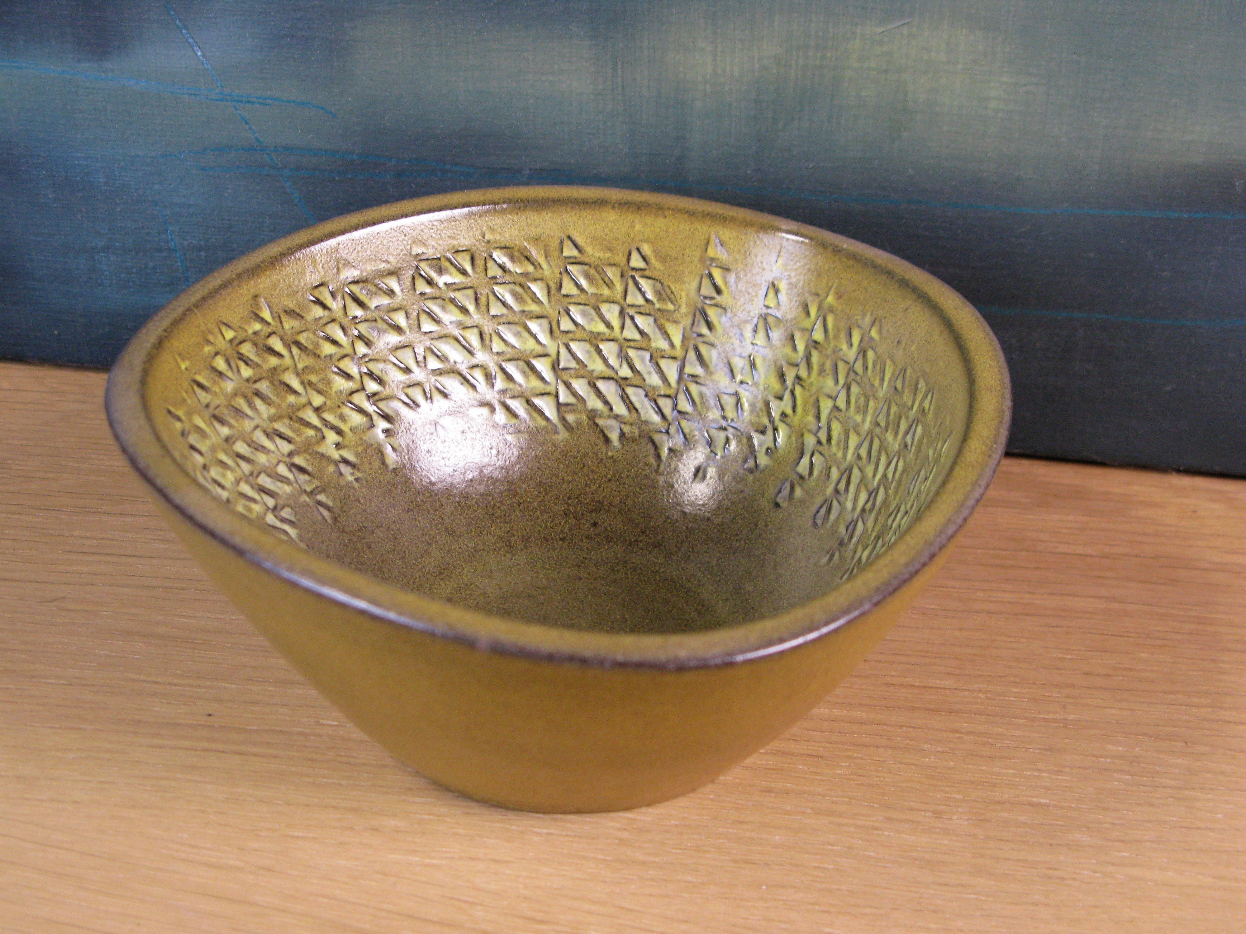 daria bowl 2616