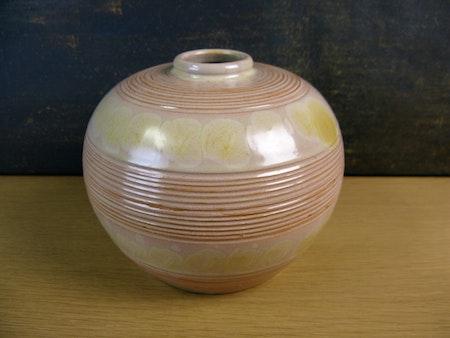 yellowish vase 3156