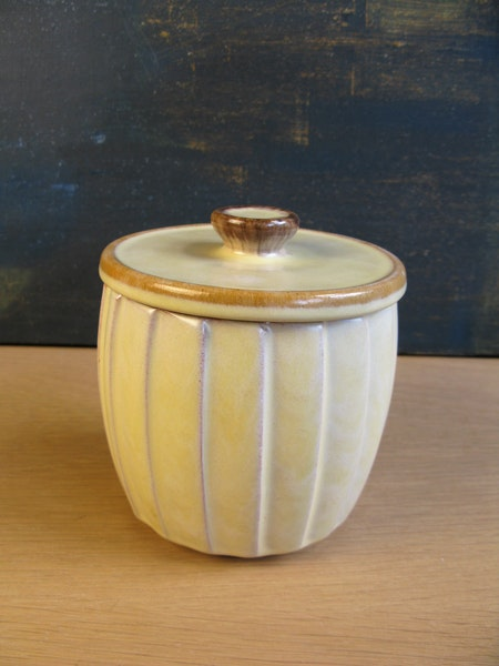 vanilla relief tobacco jar