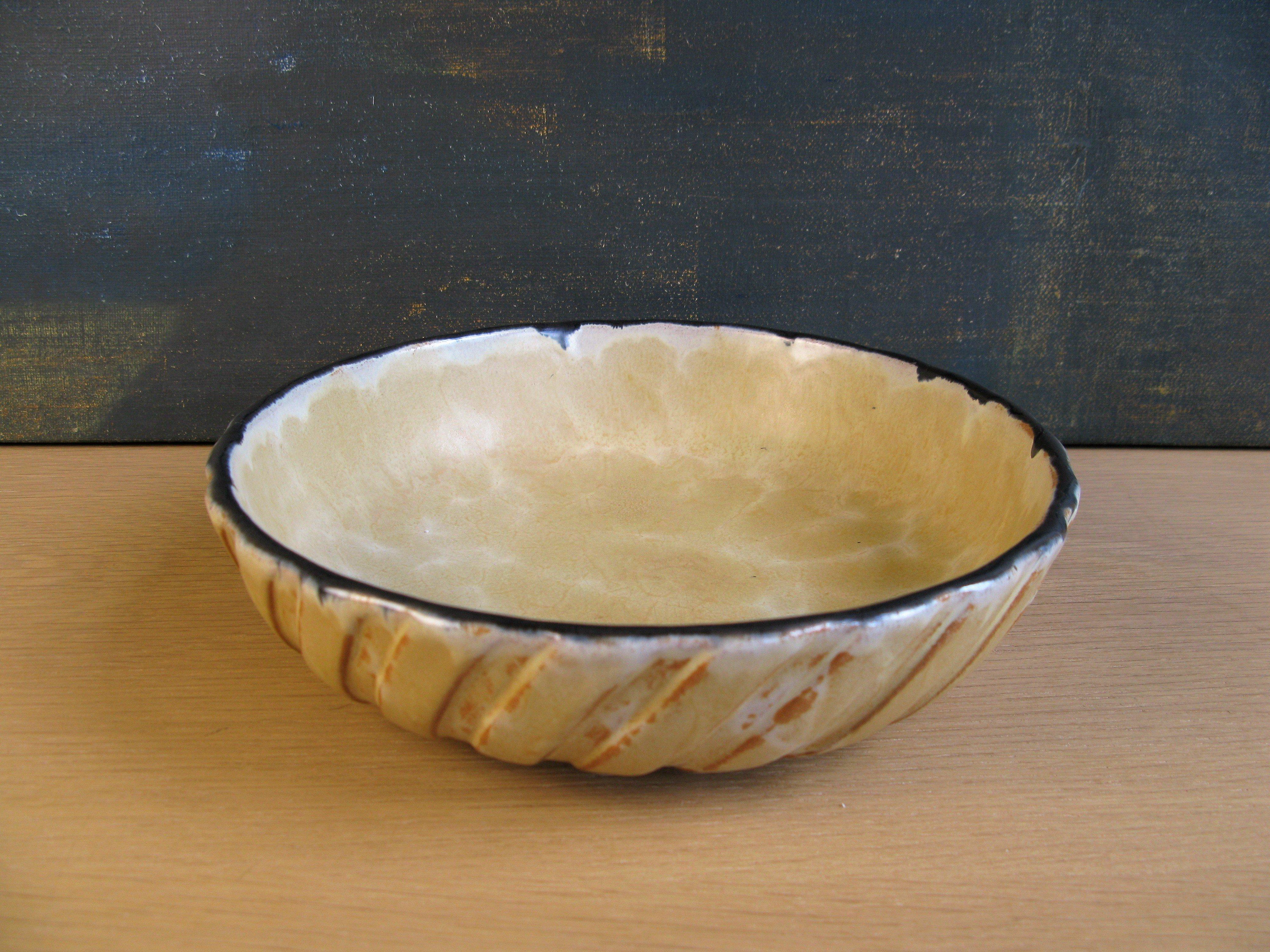 vanilla spiral bowl 3228
