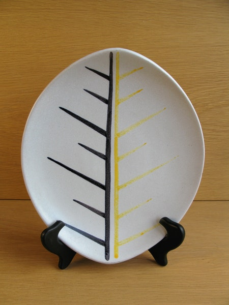 grey/black/yellow poäng plate 5091 sold