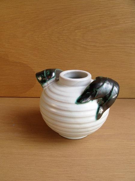 white/green vase 189