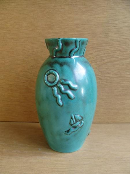 green vase 3052