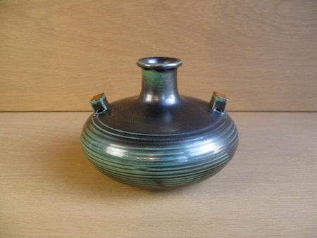 green vase 3111