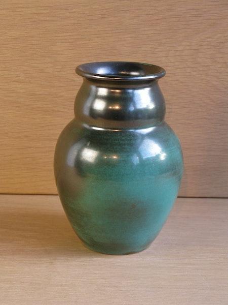 green vase 2672