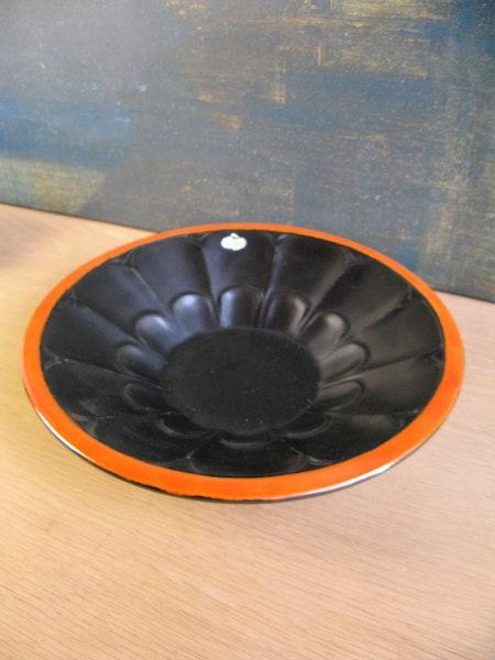 black/orange bowl 3246