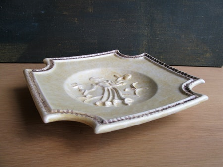 brownish plate 3086
