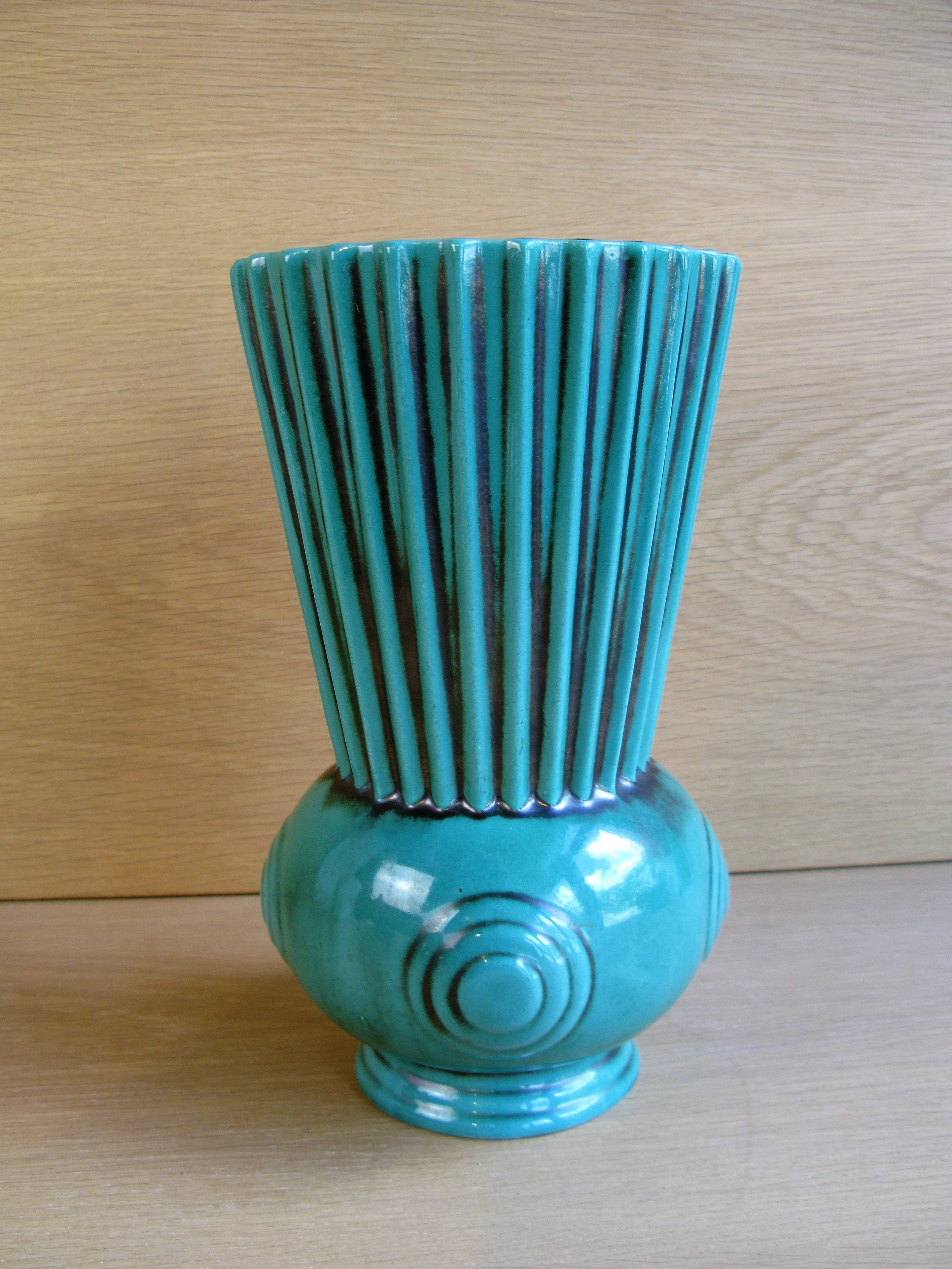 green vase 3032-2