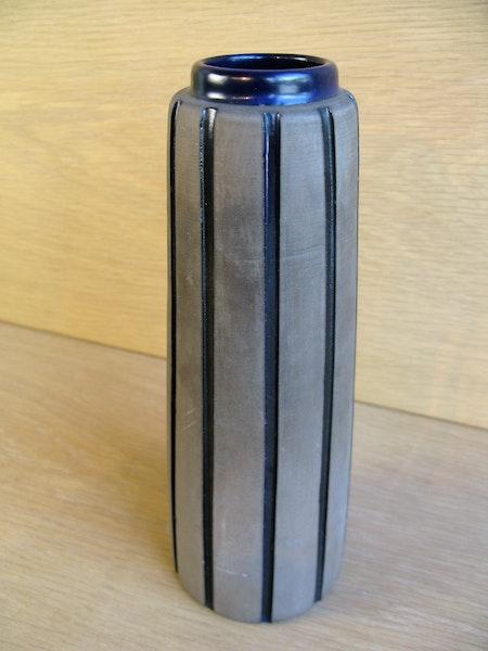 blue burma vase 2158