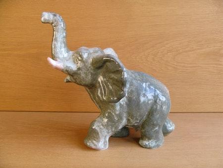 greyish elephant 101