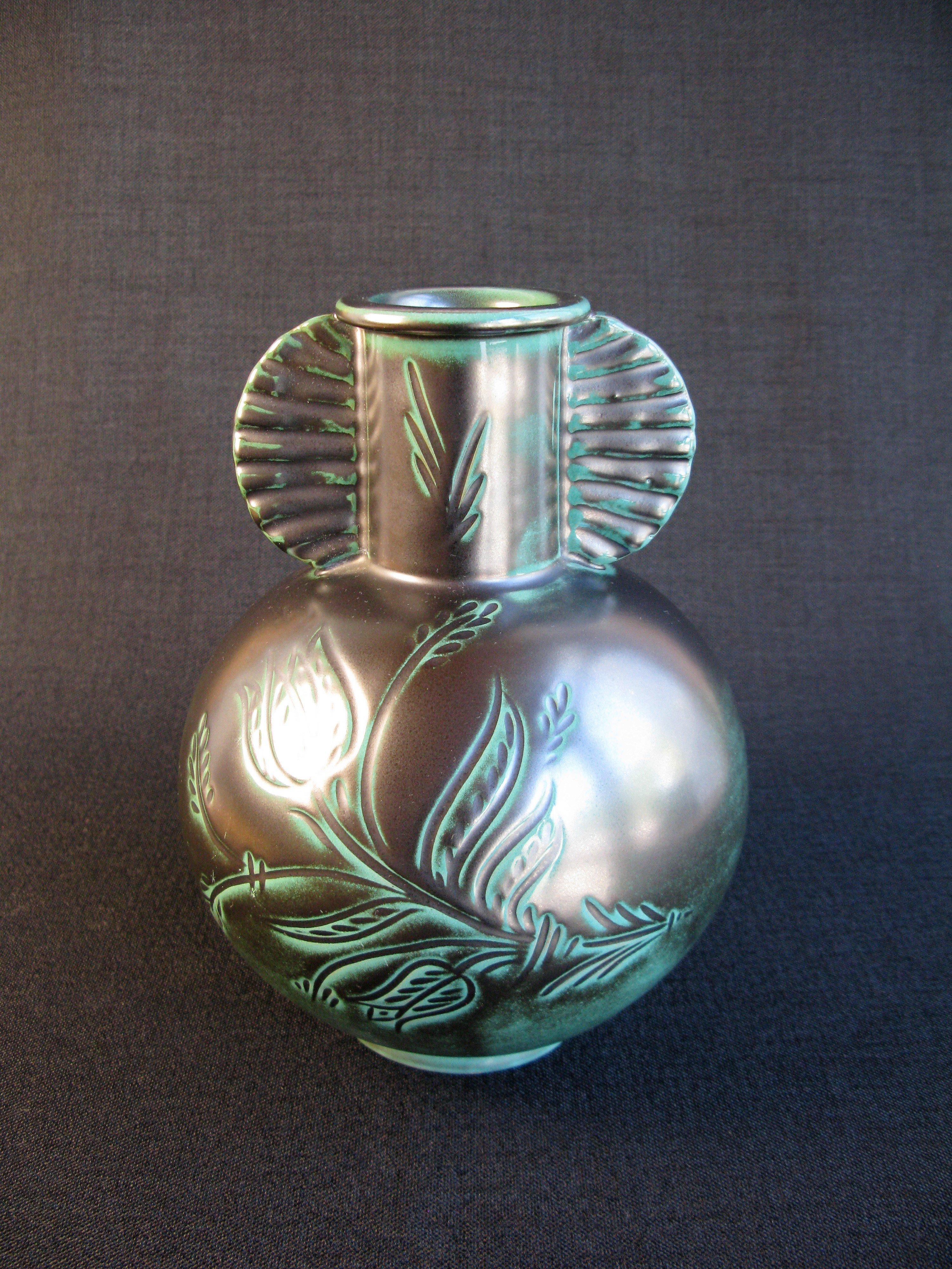 green vase 3097