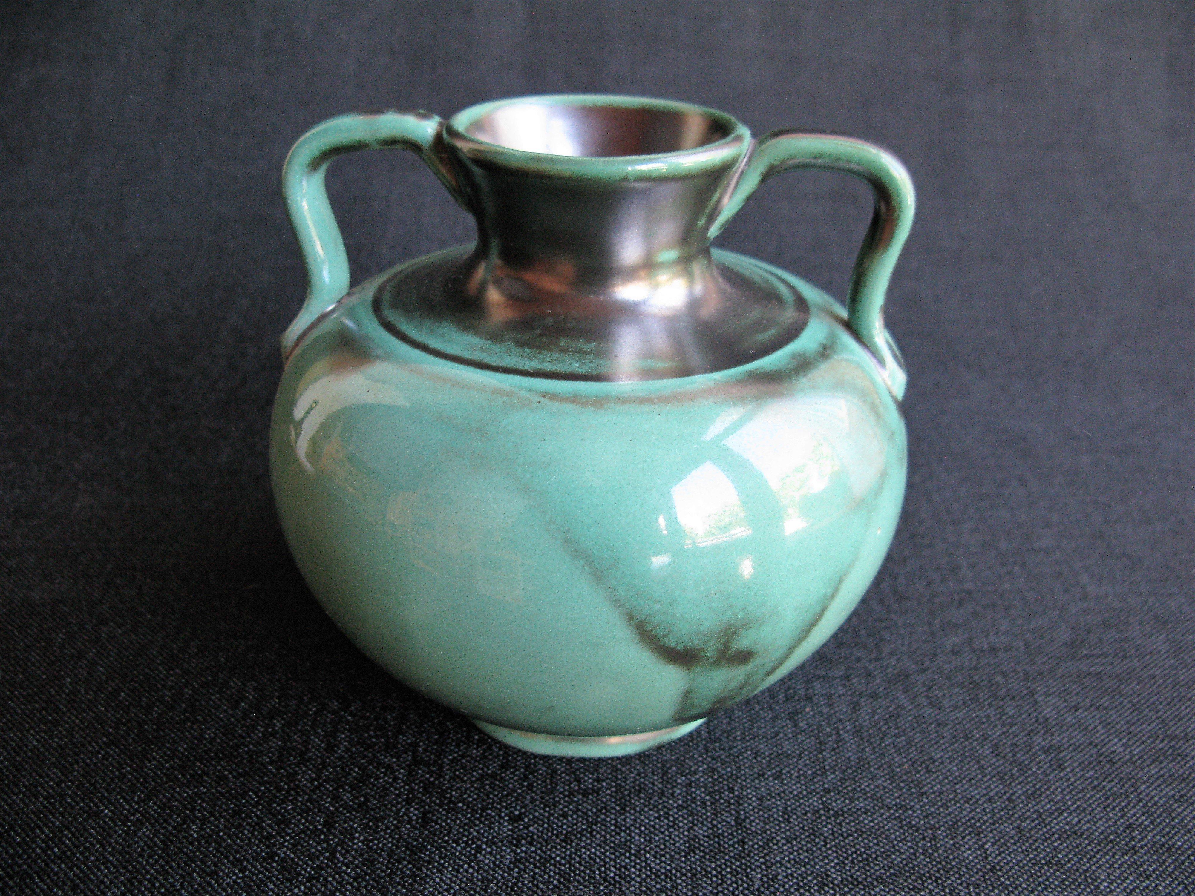 dark green vase 3201