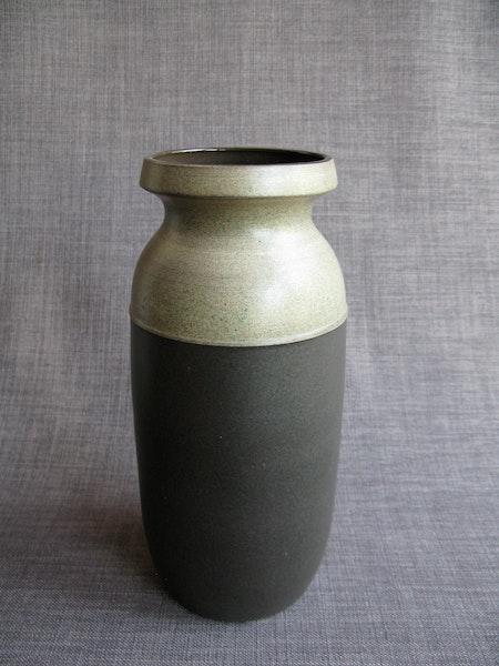 brown vase 1034/166