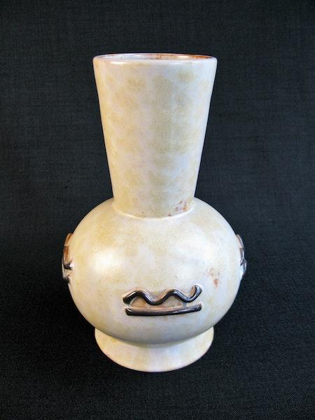 yellowish/brown vase 38