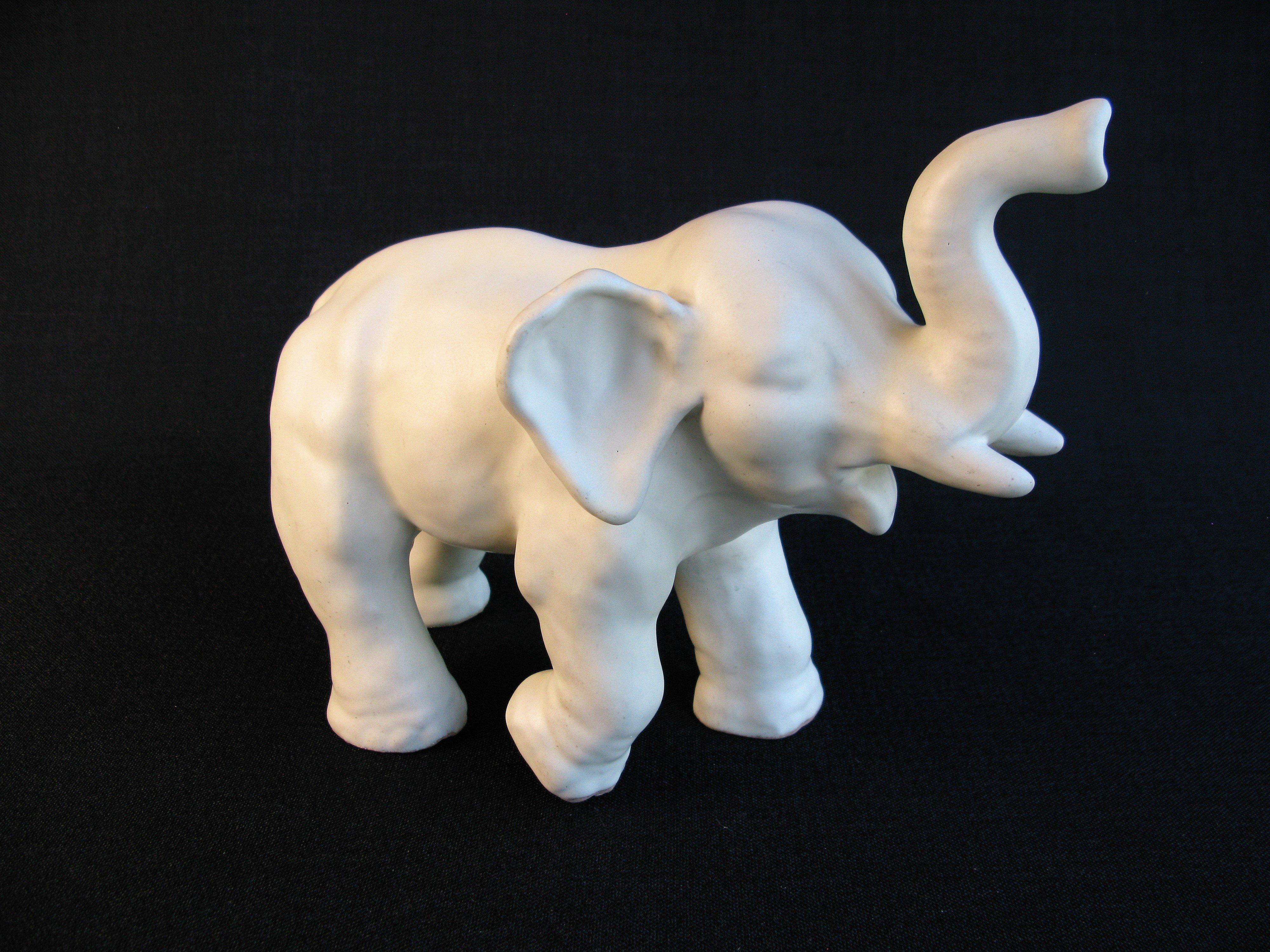 white elephant 7