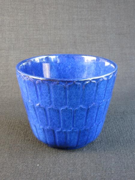 adria flower pot 22 sold