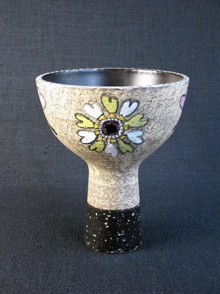 manana vase 4319 sold