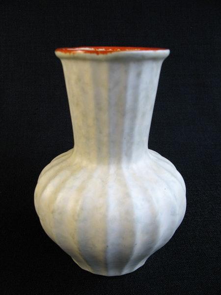 greyish/orange vase g3