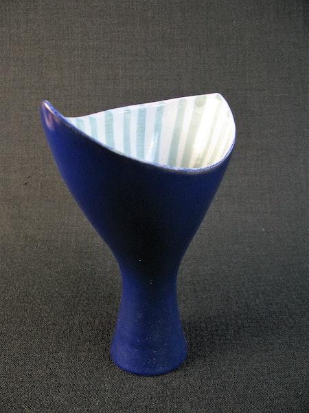 vase 4140 sold