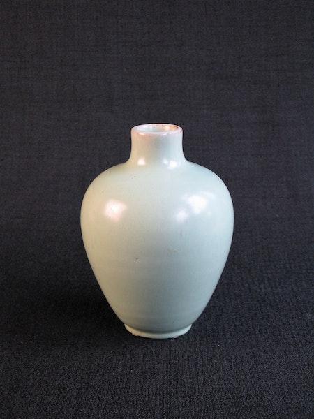 light green vase 487