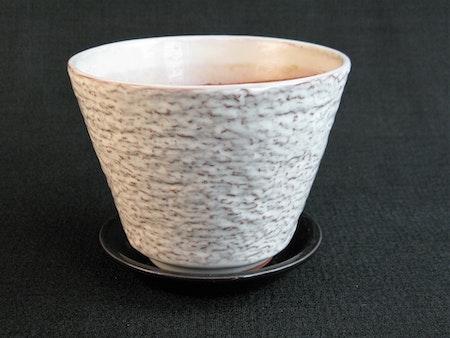 white tc flower pot 1049/68