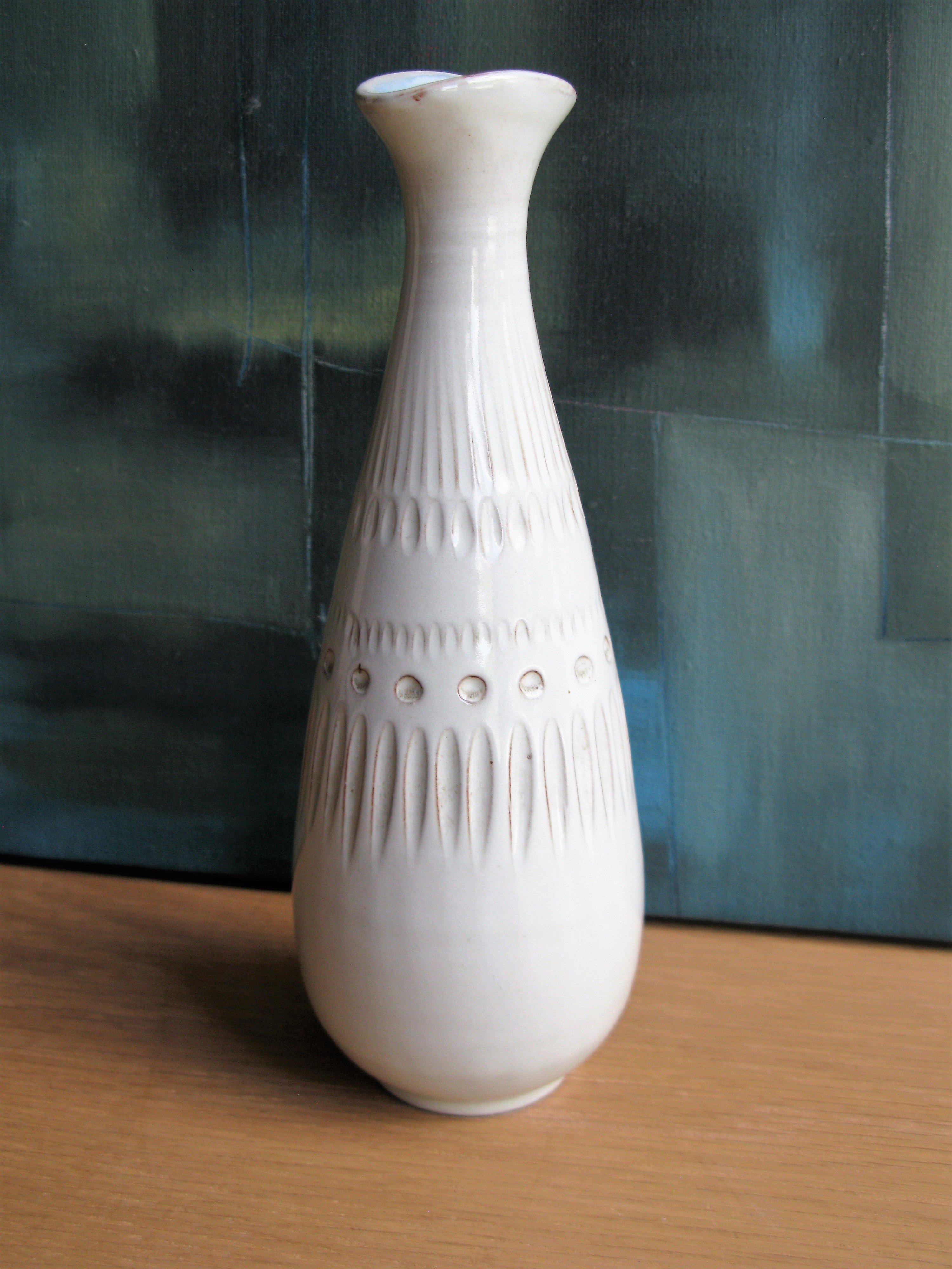 gramina vase 661 sold