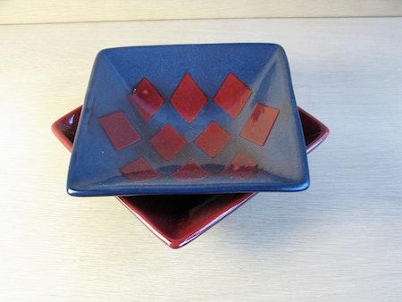 red/black bowl 361