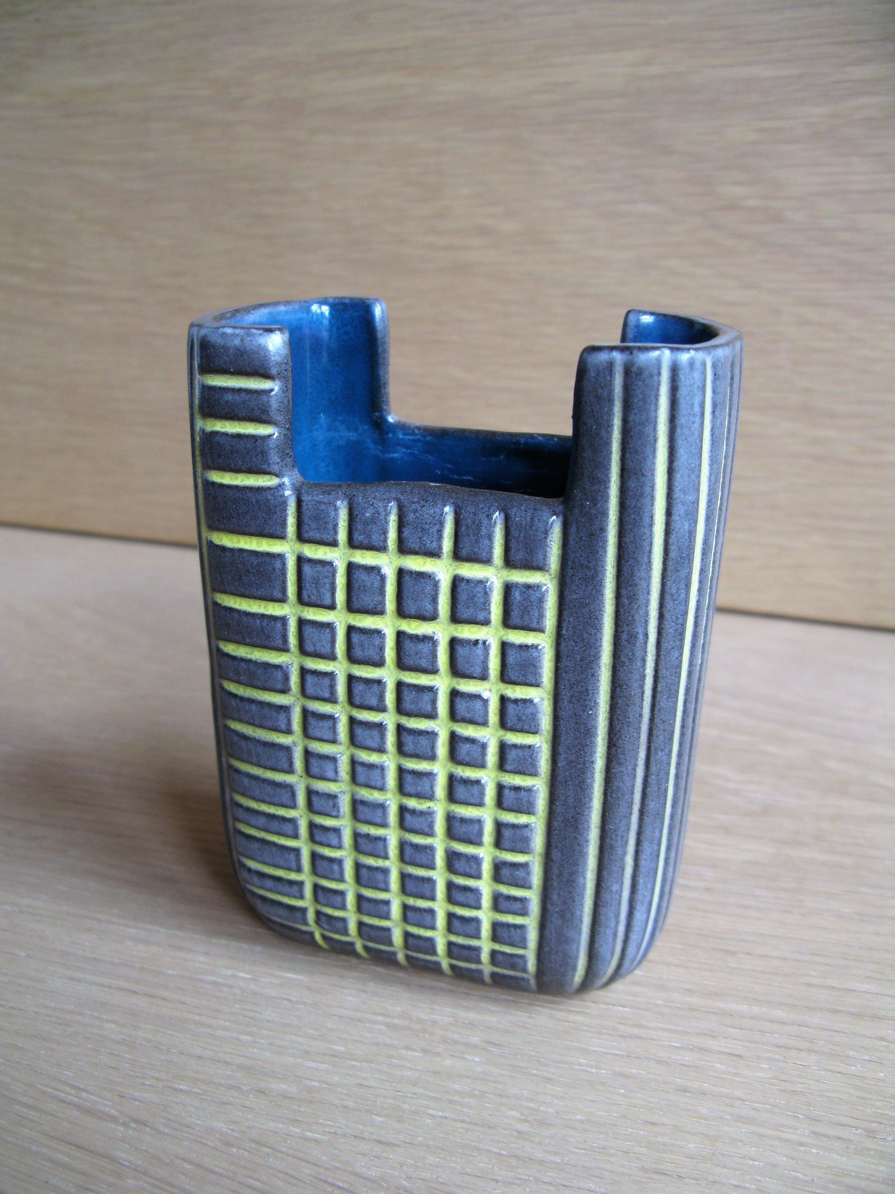 edfu vase 5252 sold