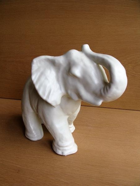 white elephant 3244
