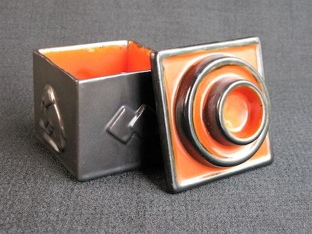 black/orange tobacco jar 5