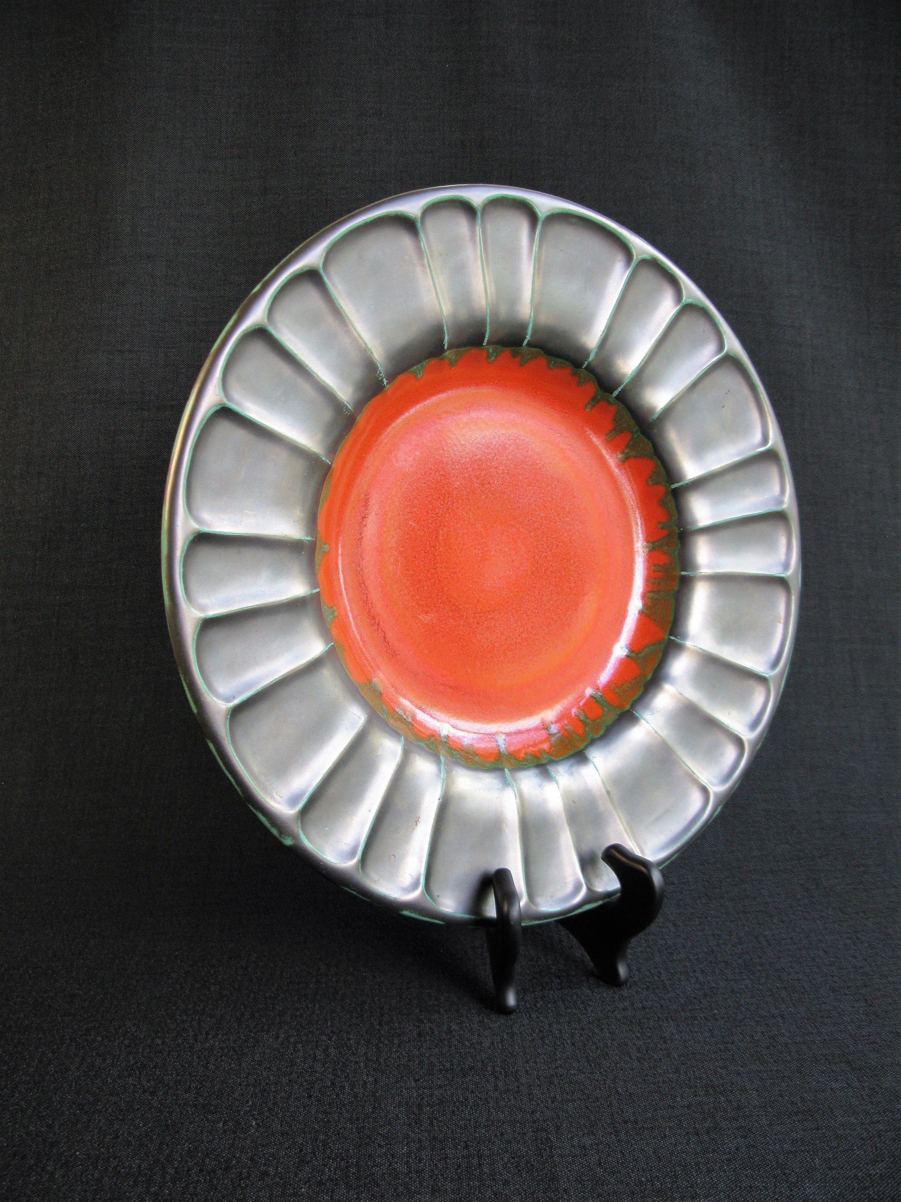 black/orange plate 2355