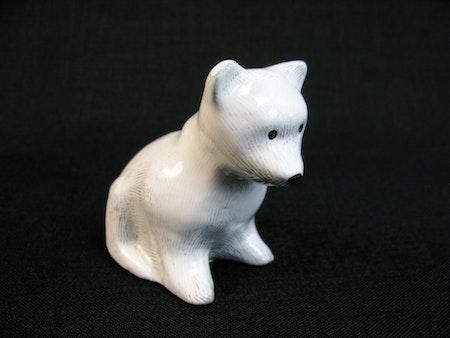 white bear 7033m
