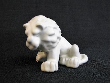 white lion 27 sold