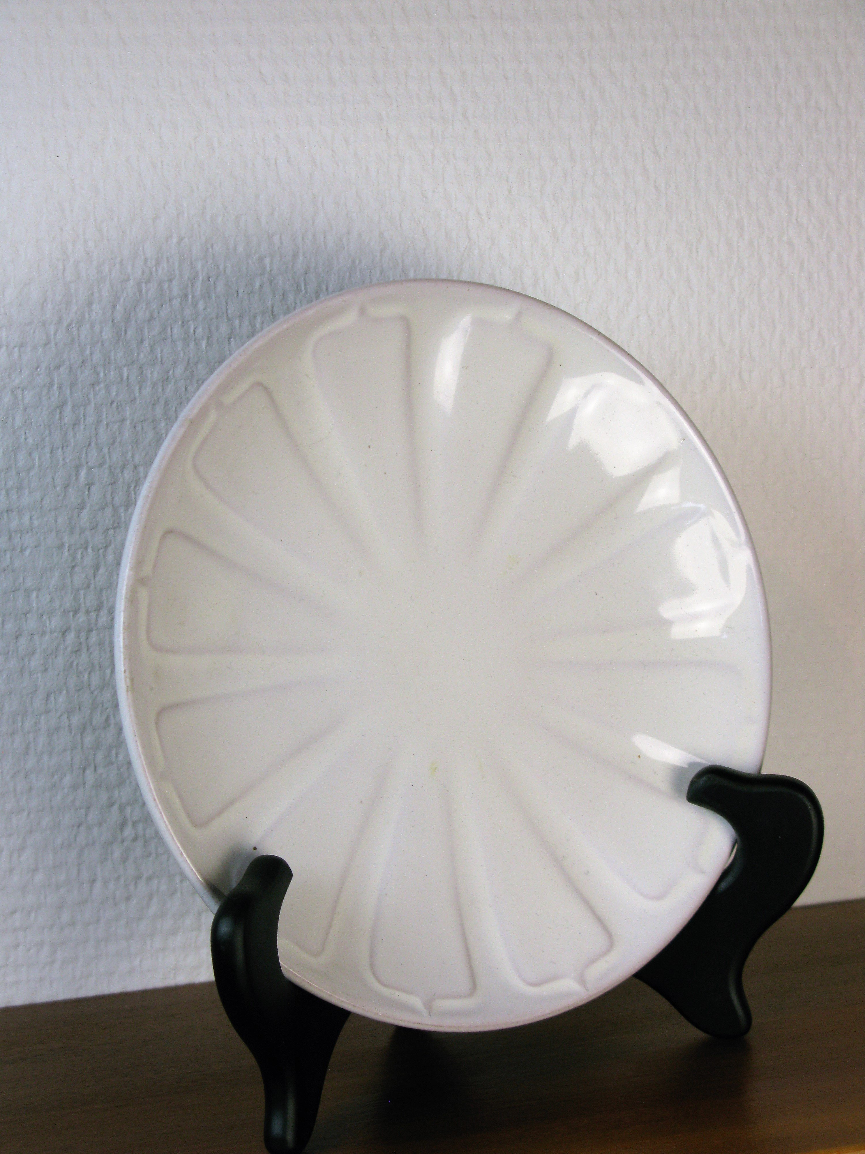 white small plate 24
